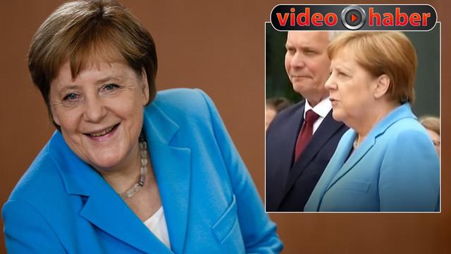 Angela Merkel üçüncü kez titreme nöbeti geçirdi