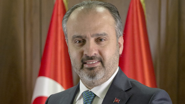 AKP'li başkan o şirketlerden istifa etti!