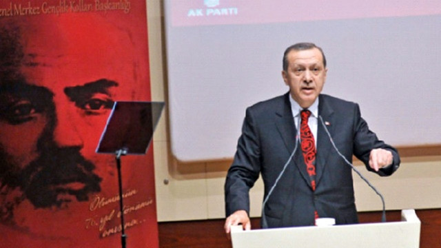 Cumhurbaşkanı Erdoğan, 'Akif' belgeseli için şiir okudu
