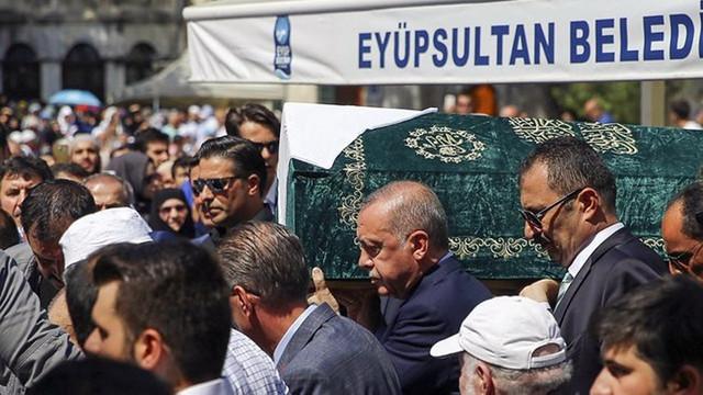 Cumhurbaşkanı Erdoğan, Şule Yüksel Şenler'in cenazesine katıldı