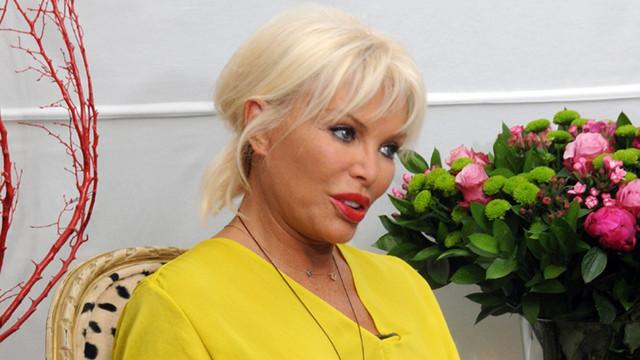 Ajda Pekkan'dan 'kadına şiddet' mesajı!