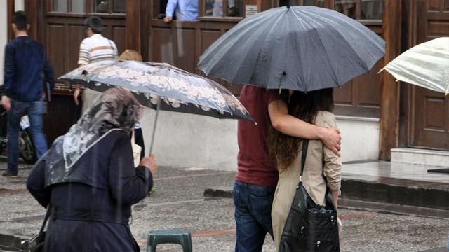 Meteoroloji'nin kuvvetli yağış uyarısına dikkat!