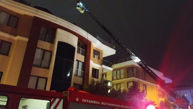 Bakırköy'de lüks sitede korkutan yangın