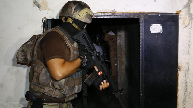 Adana merkezli 5 ilde 800 polisle dev çete operasyonu