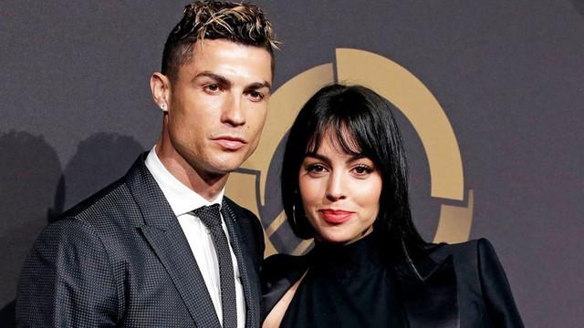 Cristiano Ronaldo evlendi mi?