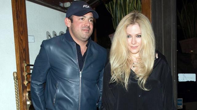Avril Lavigne büyük aşkına veda etti