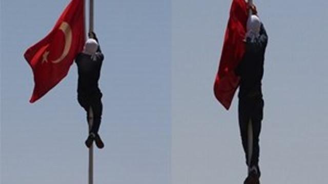 Bayrak skandalında tutuklama!