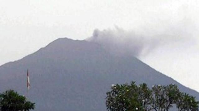 Agung Yanardağı yeniden faaliyete geçti!
