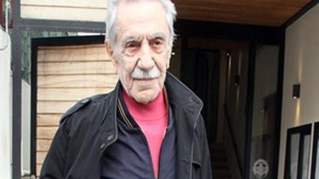 """Aydemir Akbaş: """"Bugünkü sanatçılarla tuvalete gitmem!"""""""