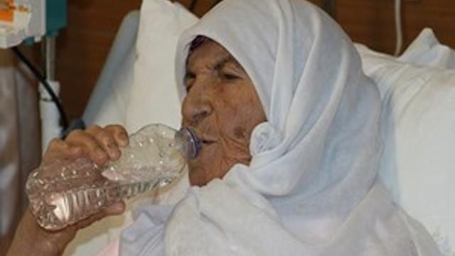 84 yaşında böbrek nakli olarak sağlığına kavuştu