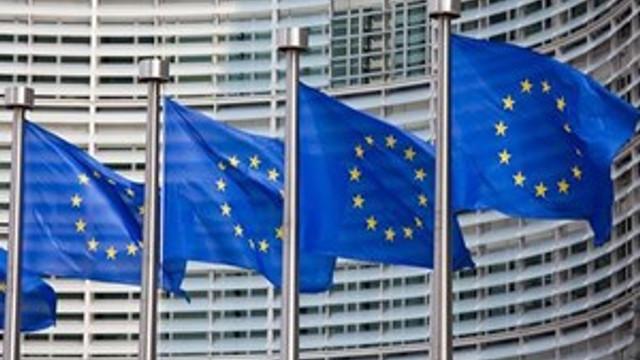 Avrupa Komisyonundan dolara karşı avro atağı