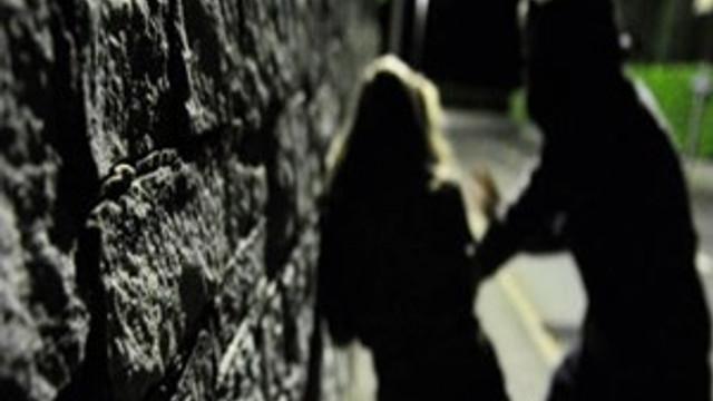 Kendilerini polis olarak tanıtıp iki kadına tecavüz ettiler!