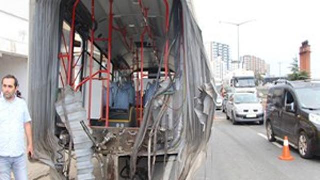 Trabzon'da içi yolcu dolu otobüs ikiye ayrıldı!
