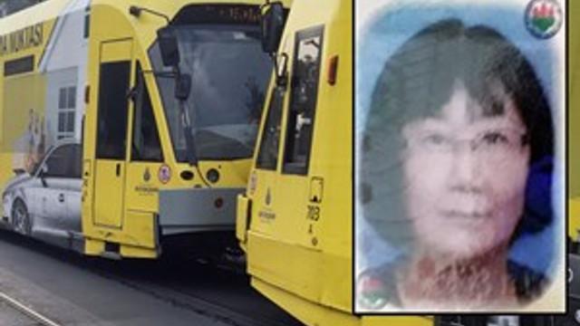 Kırmızı Işıkta Geçen Japon Turist, Tramvayın Altında Kaldı!