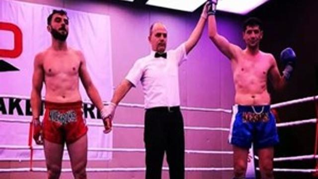 Klas Spor, kick boks turnuvasından kupayla döndü