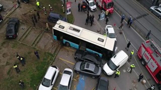 Beyazıt Meydanı'nda halk otobüsü faciası!