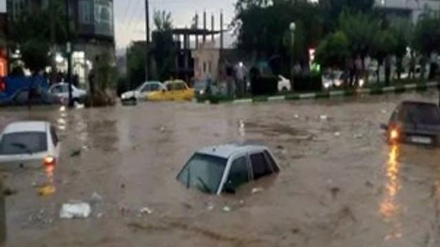 Sel felaketi İran'ın güneyini de vurdu!