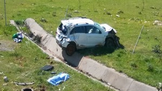 Kontrolden çıkan otomobil dehşet saçtı!
