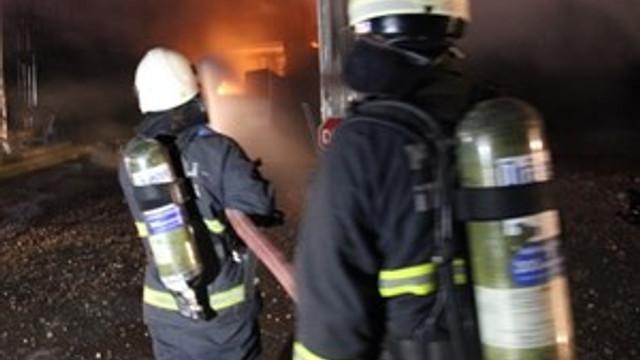 İzmir'de mobilya atölyesinde yangın