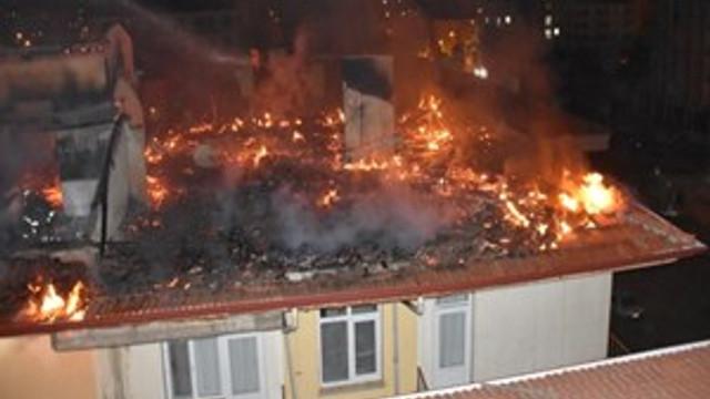 Üniversitelilerin kaldığı apartmanda feci yangın!