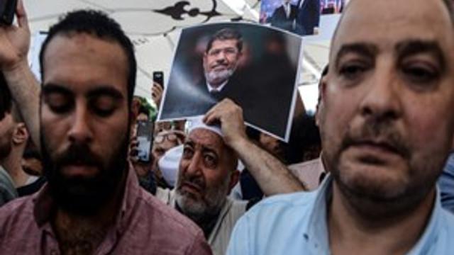Mursi için Fatih Camii'nde gıyabi cenaze namazı kılındı