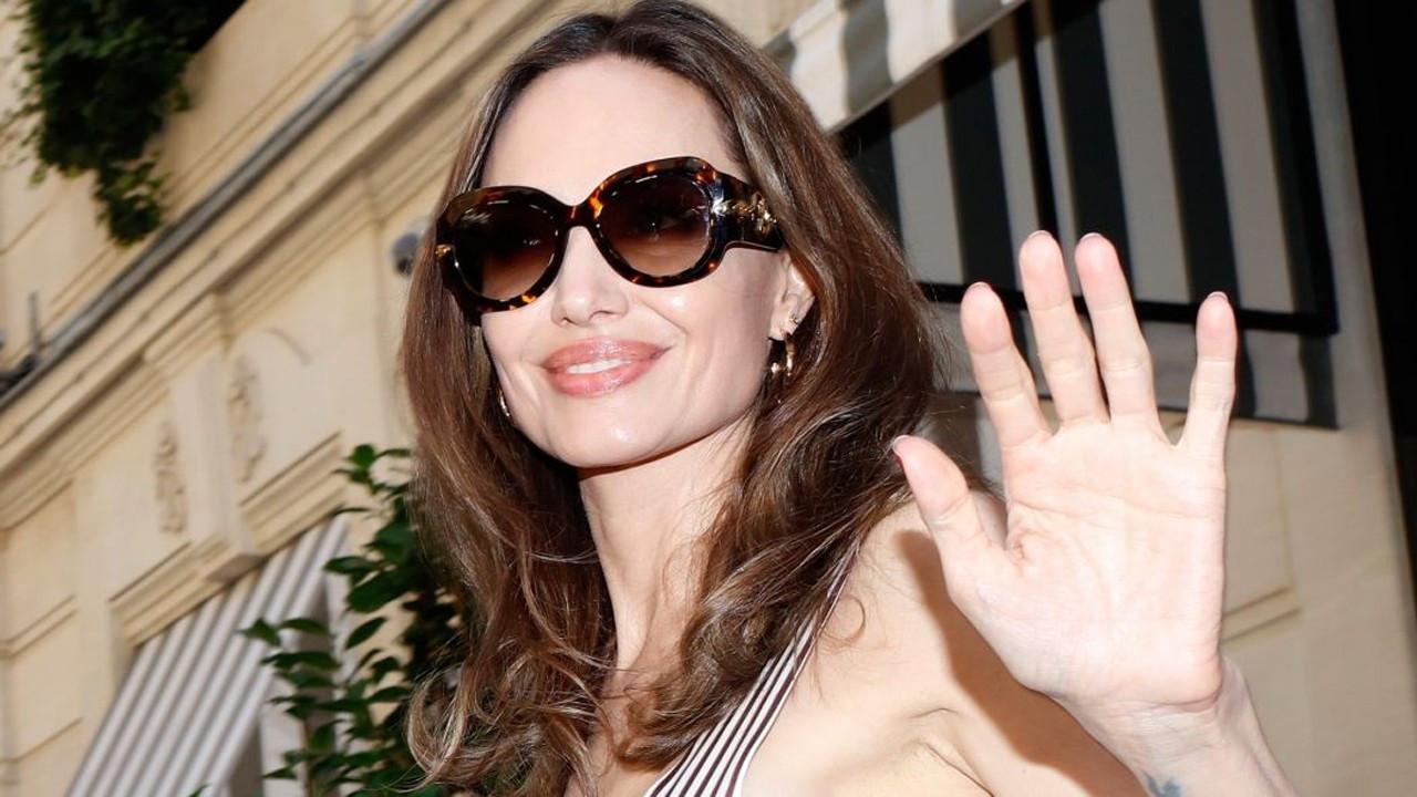 Angelina Jolie CIA için mi çalışıyor?