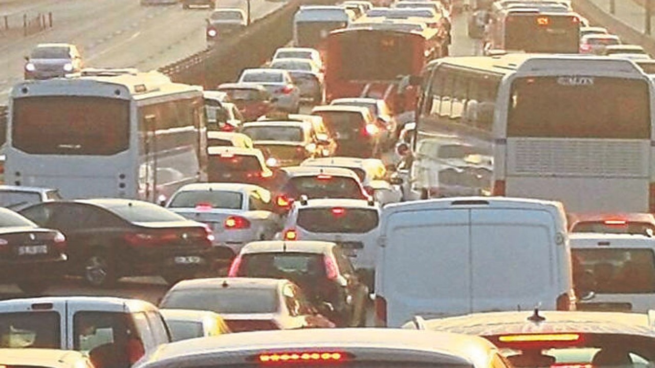 82 saatlik kısıtlama sonrası trafik yoğunluğu