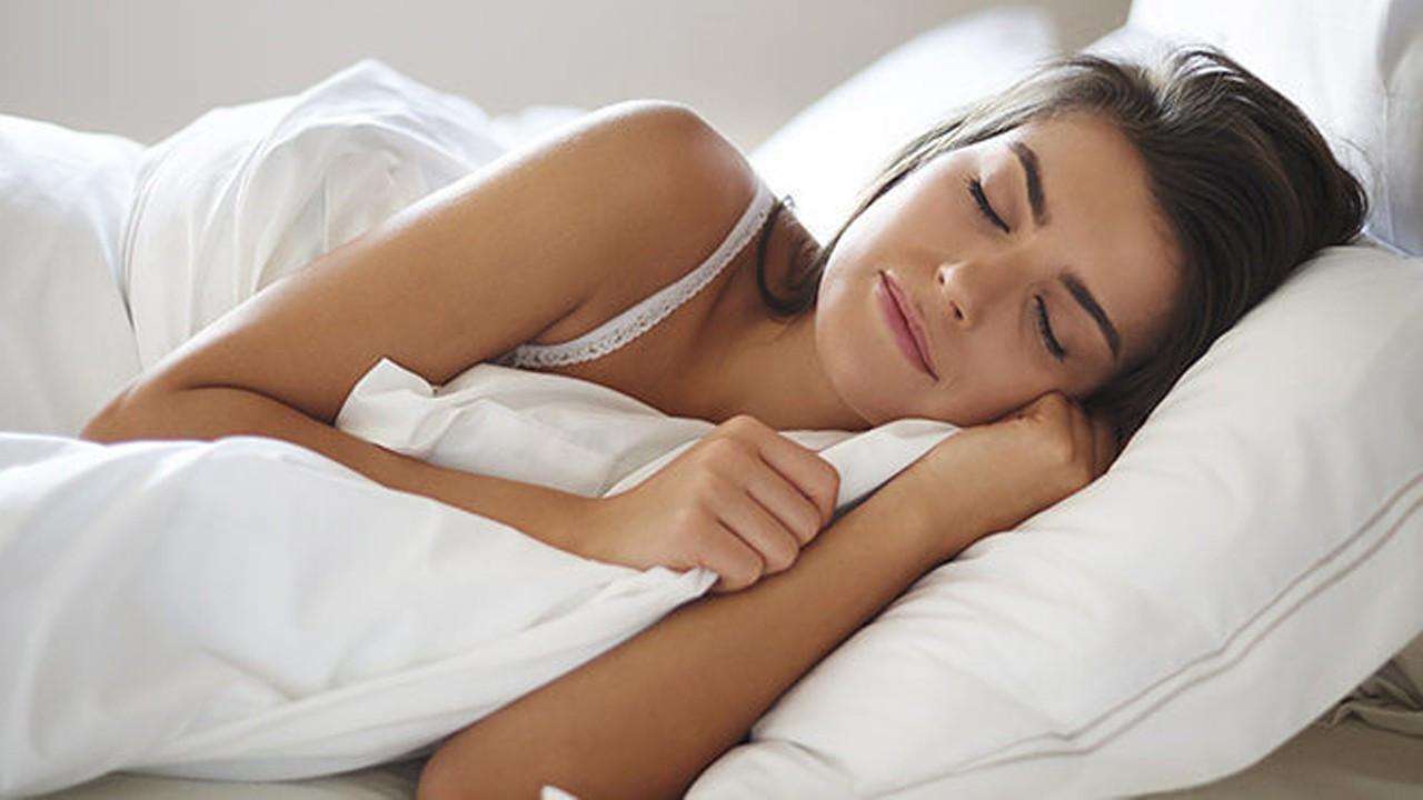 7 saatten az 9 saatten fazla uyumayın!