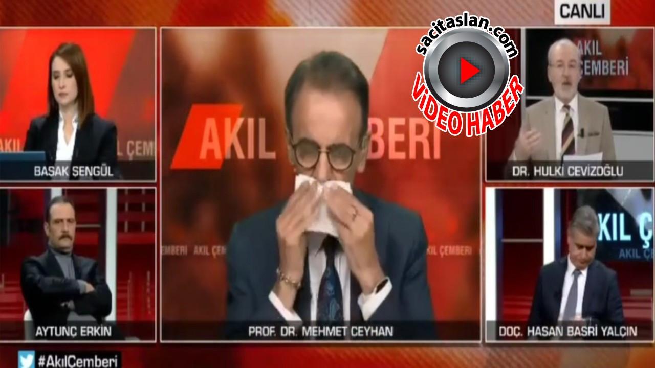 Prof. Dr. Mehmet Ceyhan canlı yayında fenalaşarak hastaneye kaldırıldı