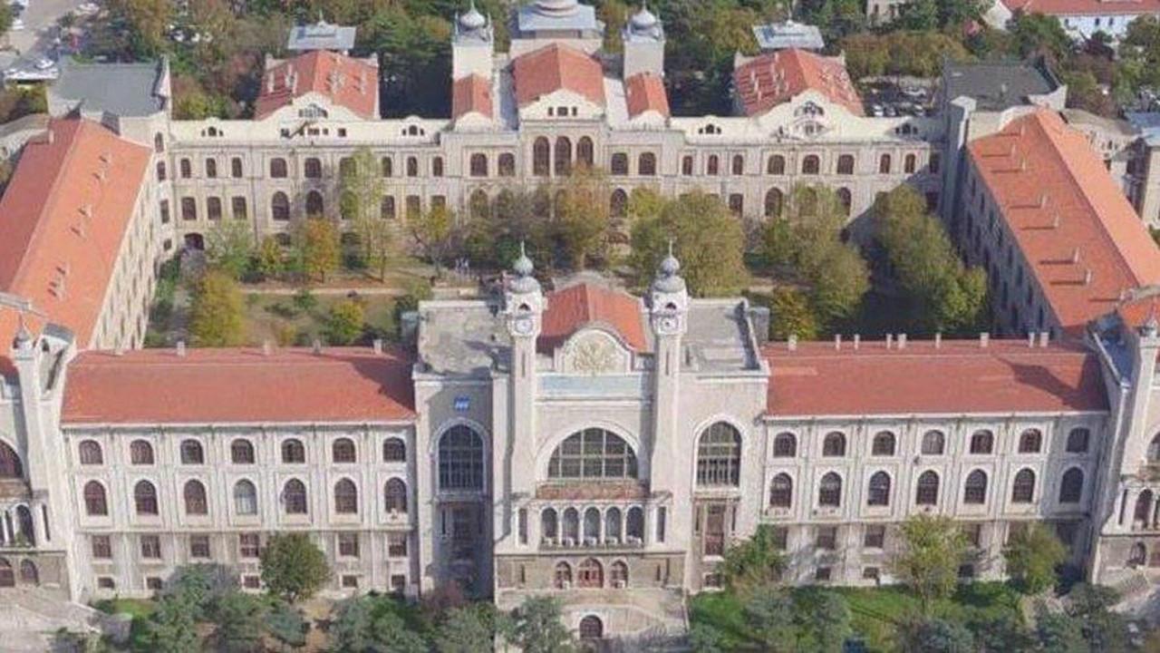 Üniversitede adrese teslim profesörlük