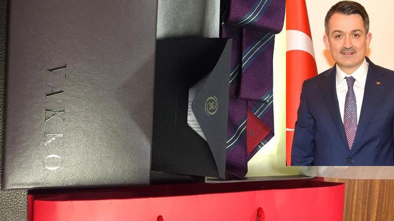 Tarım Bakanı'ndan milletvekillerine 'İyi ki doğdun' kravatı