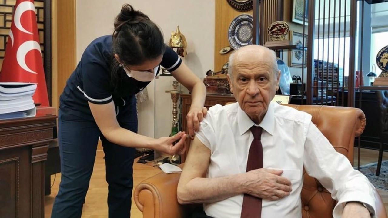 MHP lideri Devlet Bahçeli de Corona virüs aşısı oldu