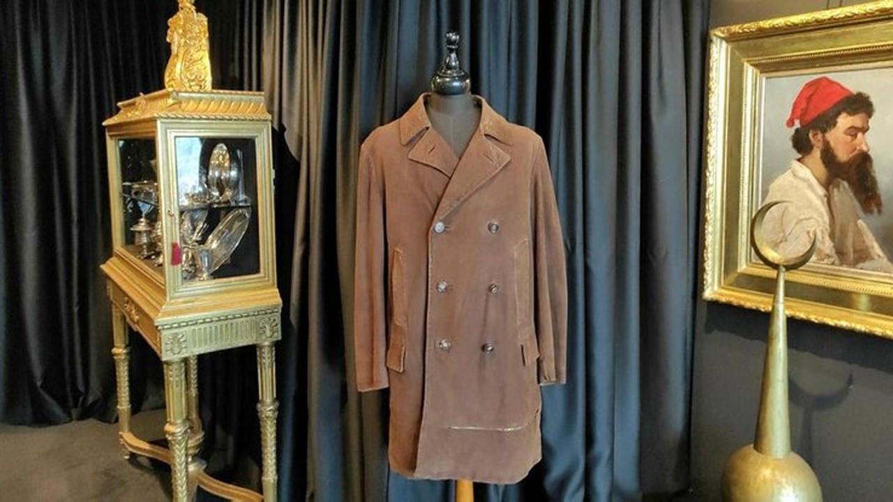 Ulu Önder Atatürk'ün ceketi açık artırmada