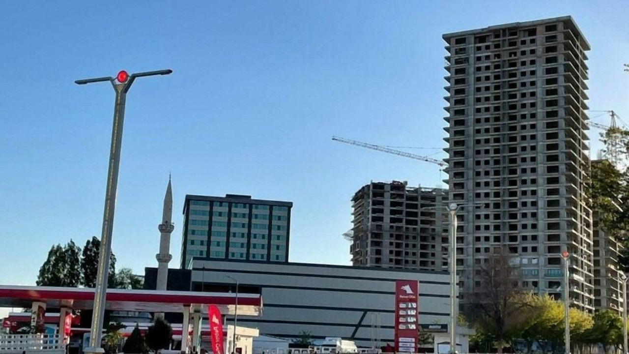 Deprem bölgesine 26 katlı bina şoku!