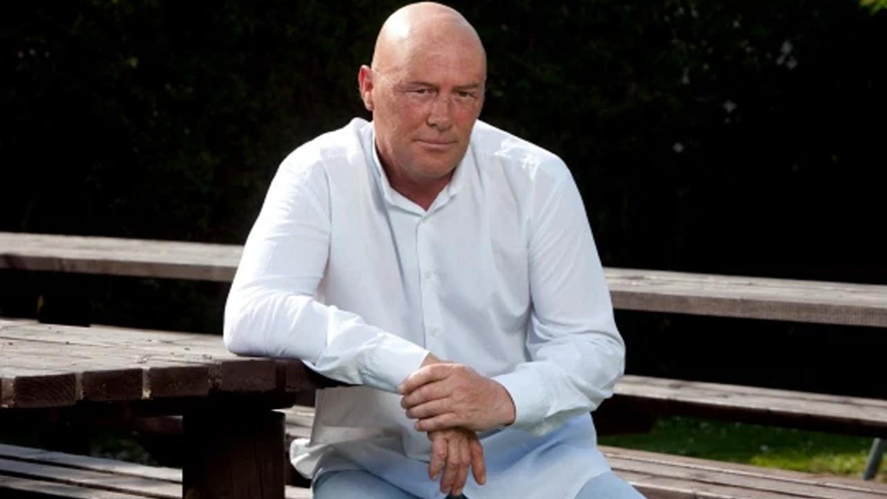 Ünlü şarkıcının şoförlük yapan babası kansere yenik düştü