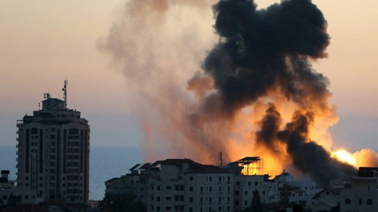 İsrail'in gece boyu vurduğu Gazze'den acı haberler geliyor