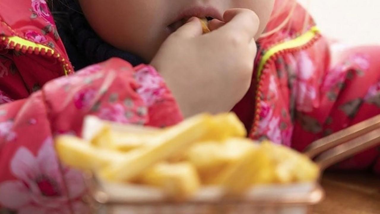 Fazla kilo çocukların geleceğini çalıyor