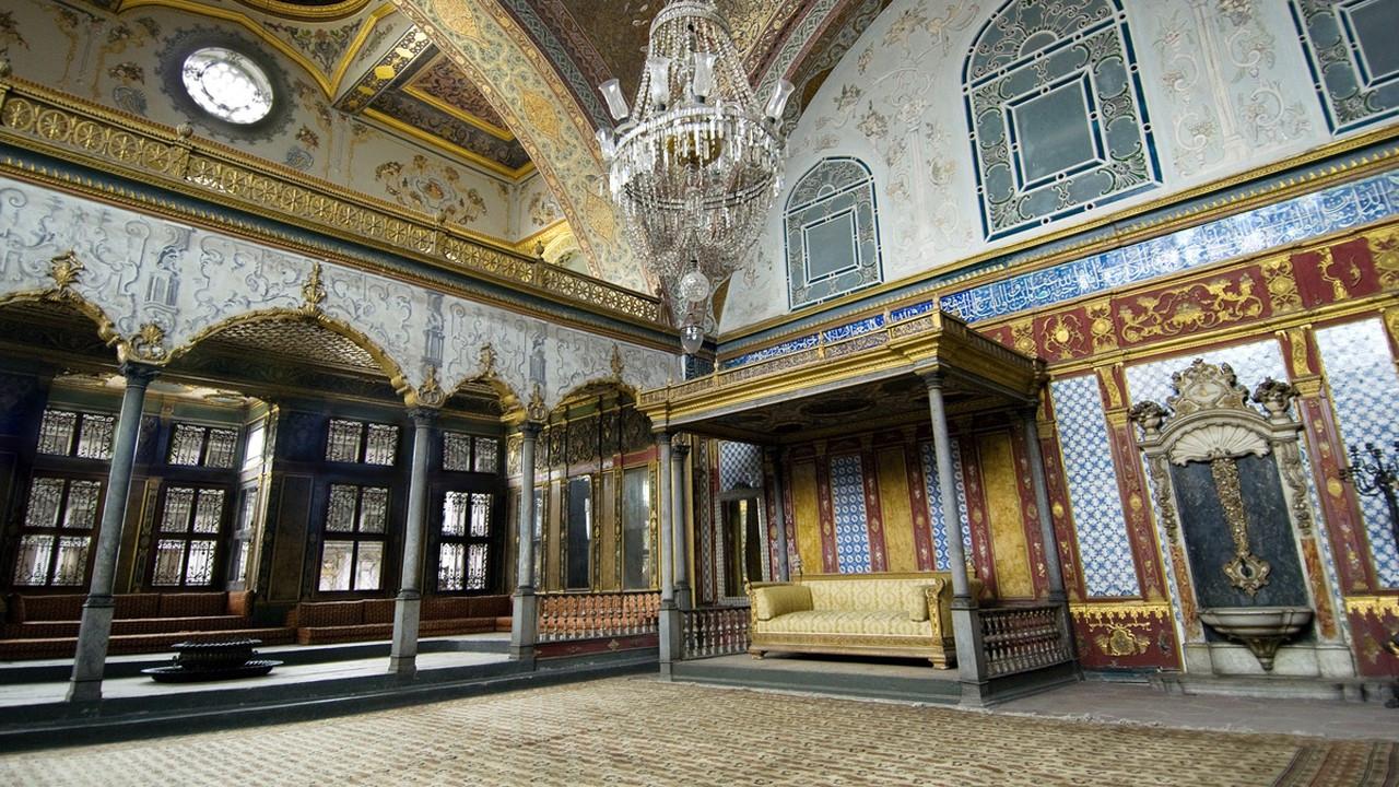 Osmanlı emanetleri göç mü edecek?