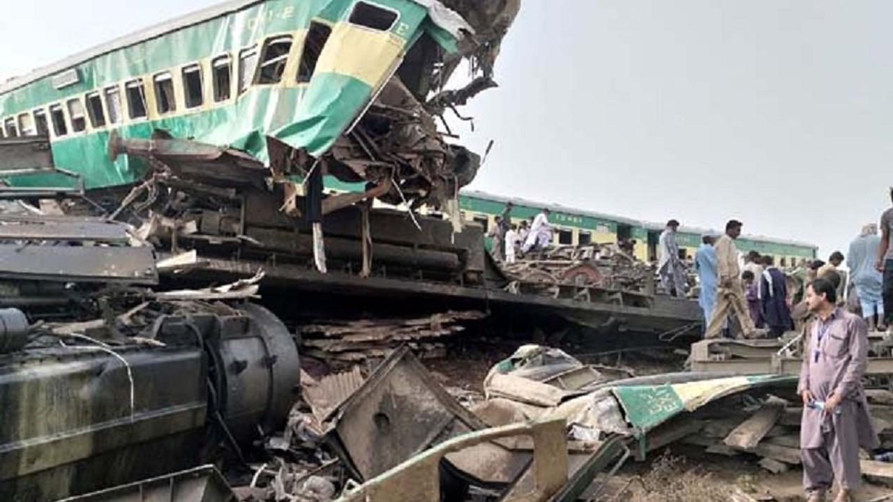 Pakistan'ı kedere boğan tren kazası