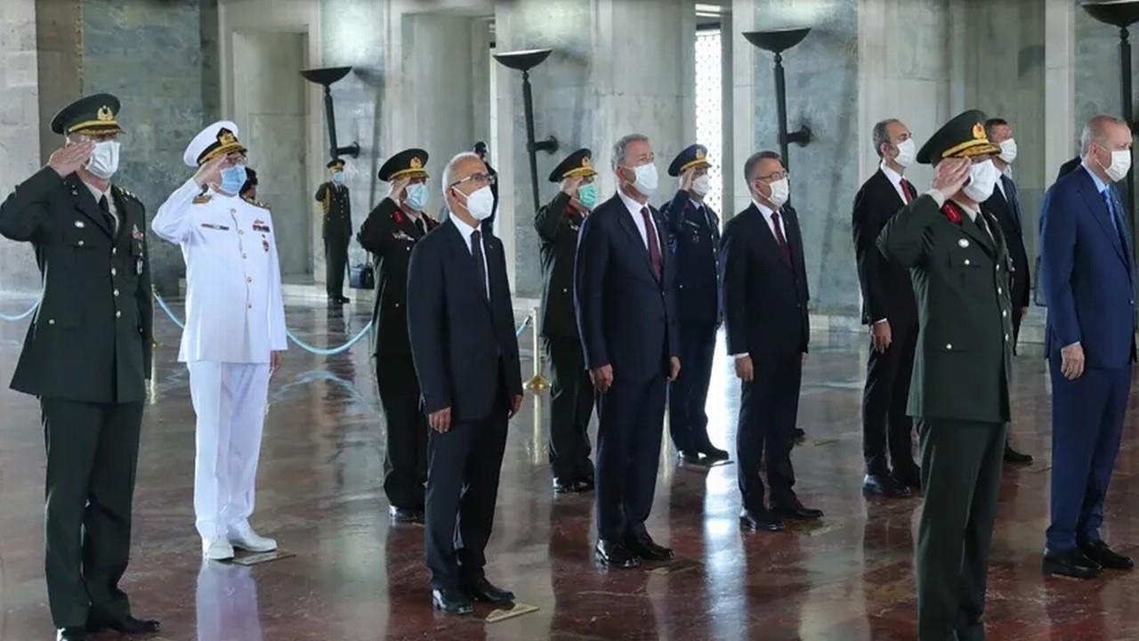 Cumhurbaşkanı Erdoğan ve YAŞ üyeleri Anıtkabir'de