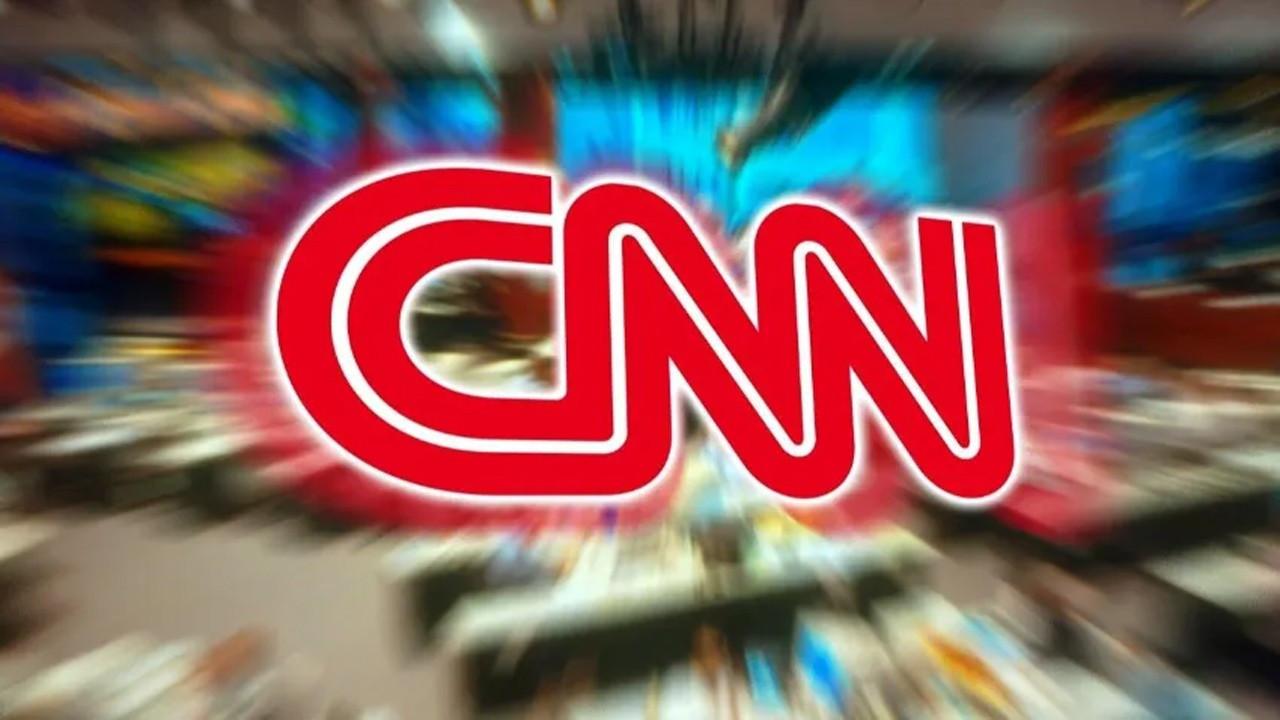 CNN, aşı olmadıkları için 3 çalışanını kovdu!