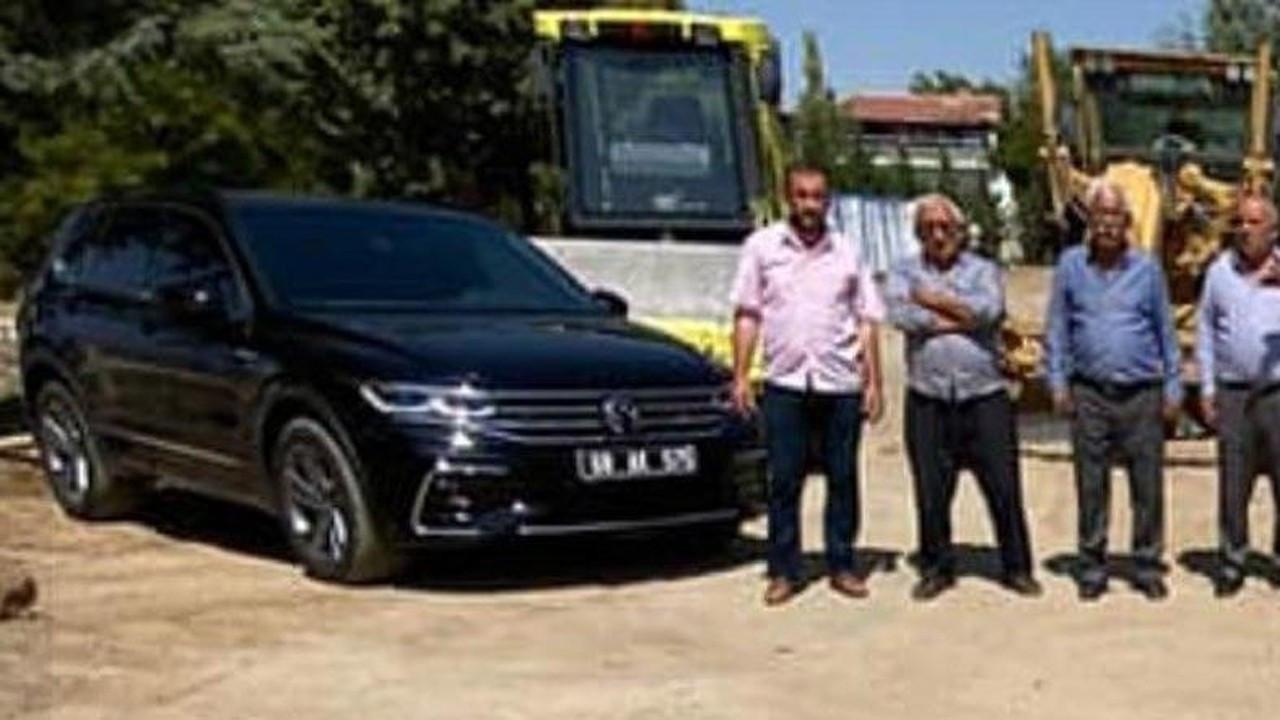 AKP'li başkan 345 bin liralık makam aracına kurban kesti