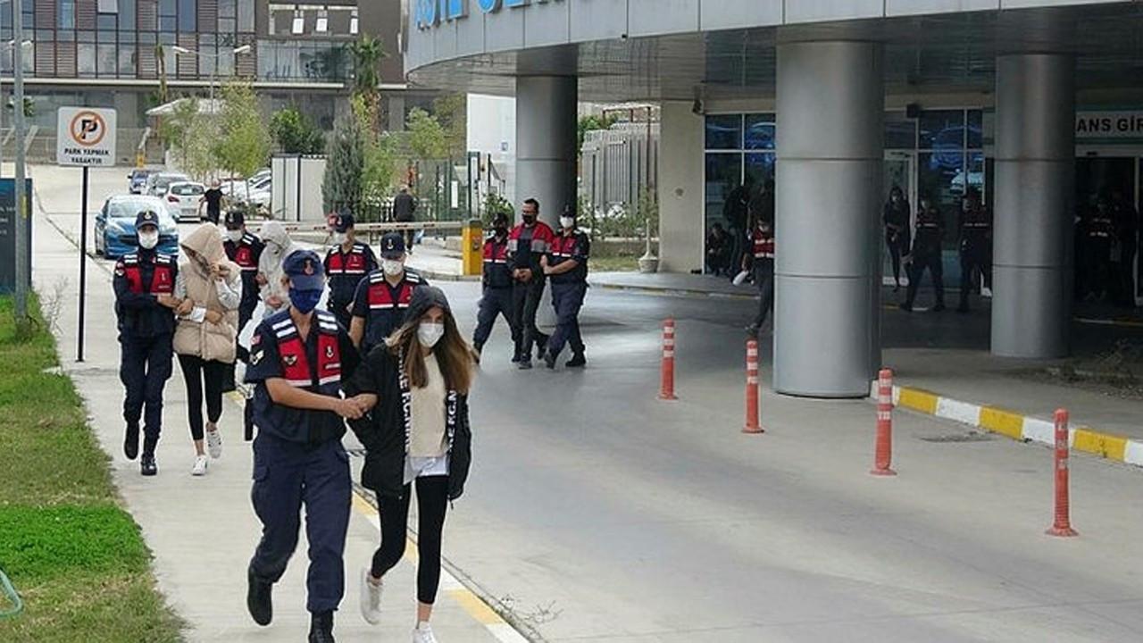 İzmir'de reçeteli uyuşturucu çetesi çökertildi