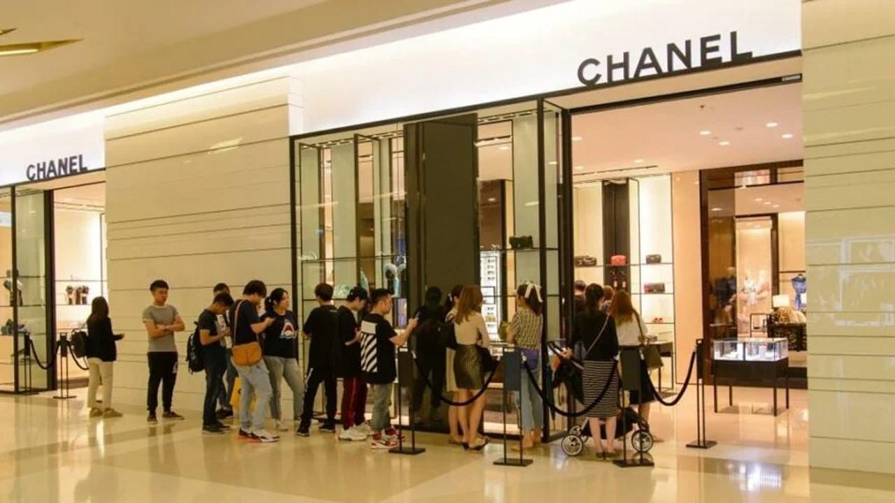 Chanel çantalarına kota getirdi!