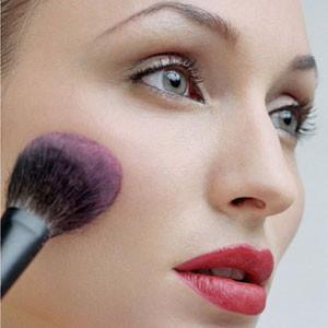 Çalışan kadınlara makyaj sırları...
