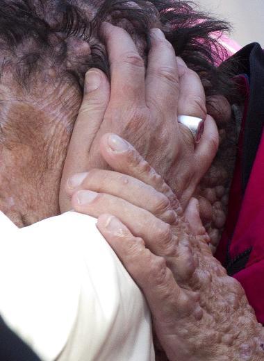 Papa öyle bir kişiyi öptü ki.. - Sayfa 2