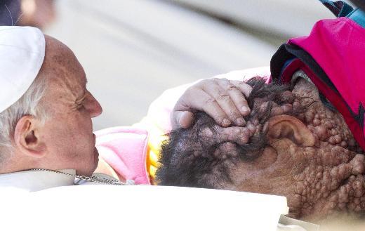 Papa öyle bir kişiyi öptü ki.. - Sayfa 3